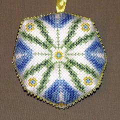 Крокусы на синем, вышивка крестом